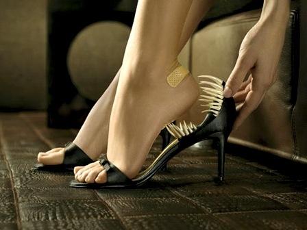 9 mẹo chống nứt gót chân