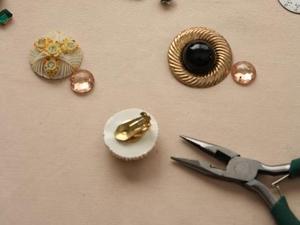 Cách làm kẹp giấy ngộ nghĩnh hình chú bọ Cach-lam-kep-giay-bang-nhung-chu-bo-xinh-xan_1_1