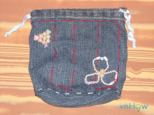 Cách làm chiếc túi nhỏ xinh từ quần Jean cũ 5