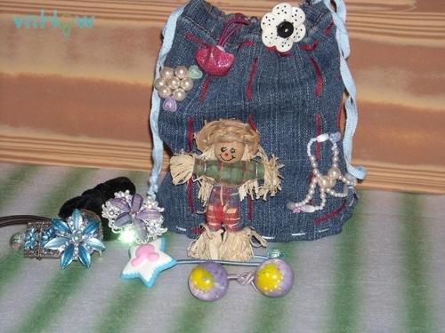Cách làm chiếc túi nhỏ xinh từ quần Jean cũ 6